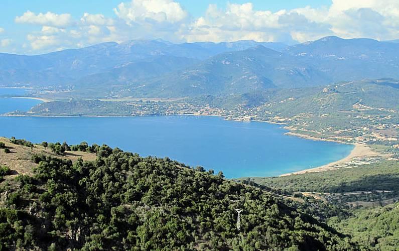 Casa in affitto con vista sul mare casaglione corsica for Casa colonica vivente del sud