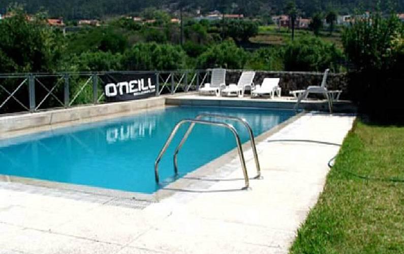 Casa para alugar com piscina afife viana do castelo for Piscinas viana