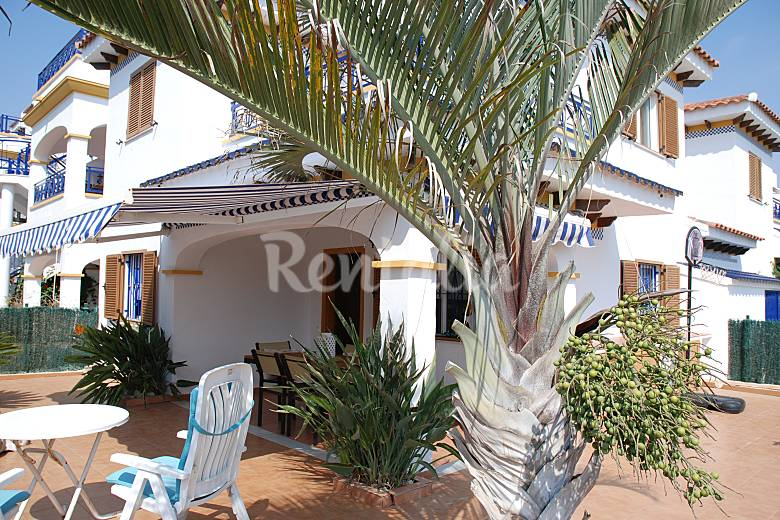 Casa en alquiler en primera linea de playa vera playa for Apartamentos en vera almeria