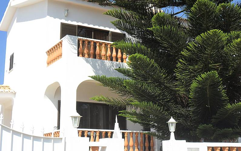 House for rent 1.7 km from the beach Algarve-Faro - Views from the house