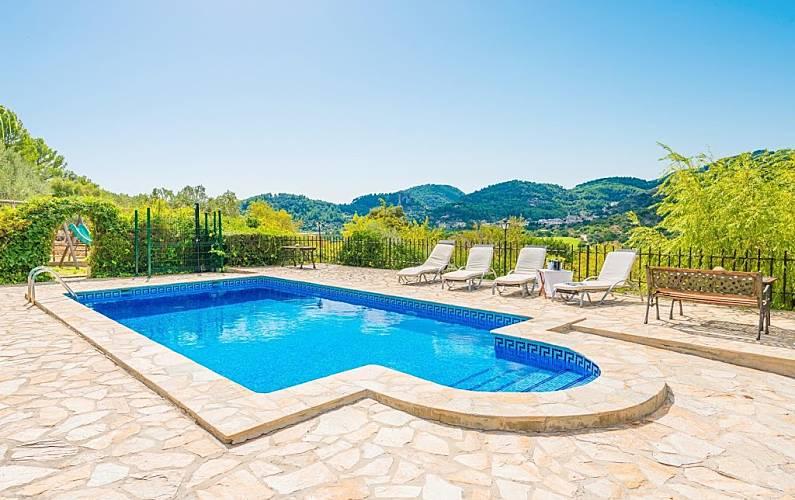 Villa para 5 personas en mancor de la vall mancor de la for Piscina 8x4 profundidad