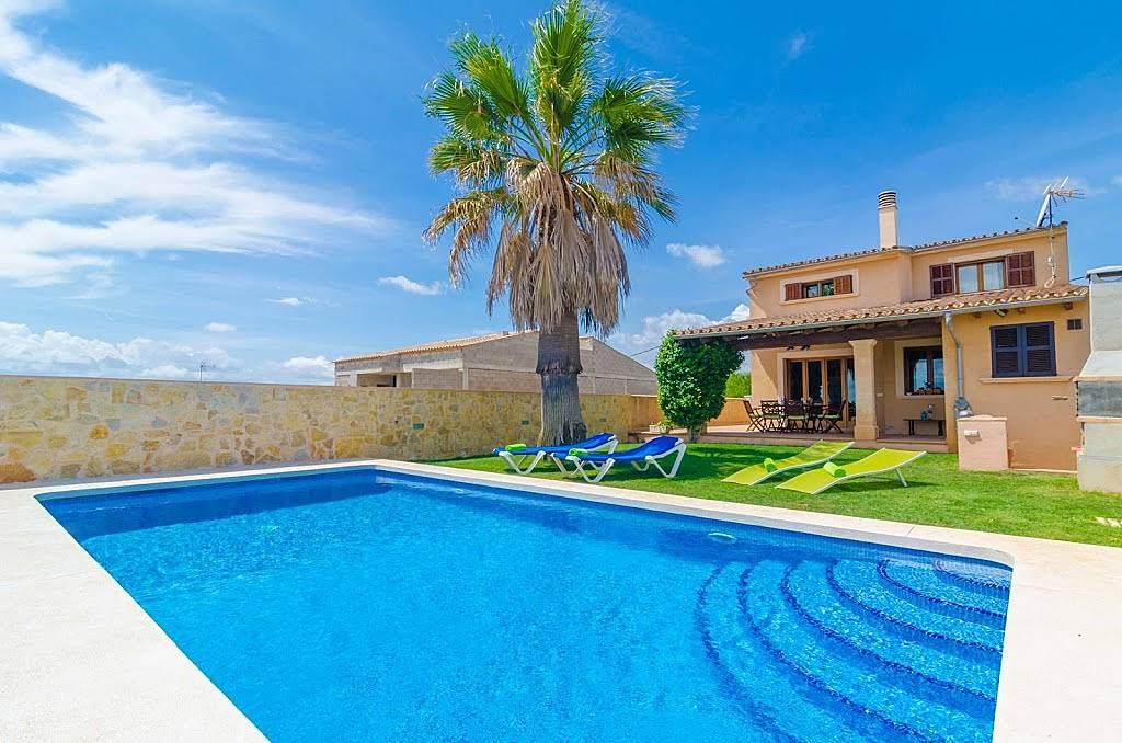 villa en location majorque vilafranca de bonany majorque. Black Bedroom Furniture Sets. Home Design Ideas