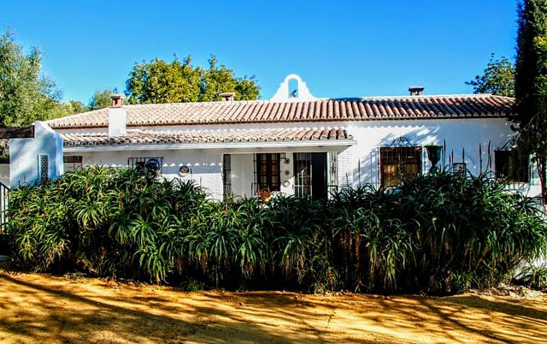 Casas Exterior del aloj. Cádiz El Gastor Casa en entorno rural - Exterior del aloj.