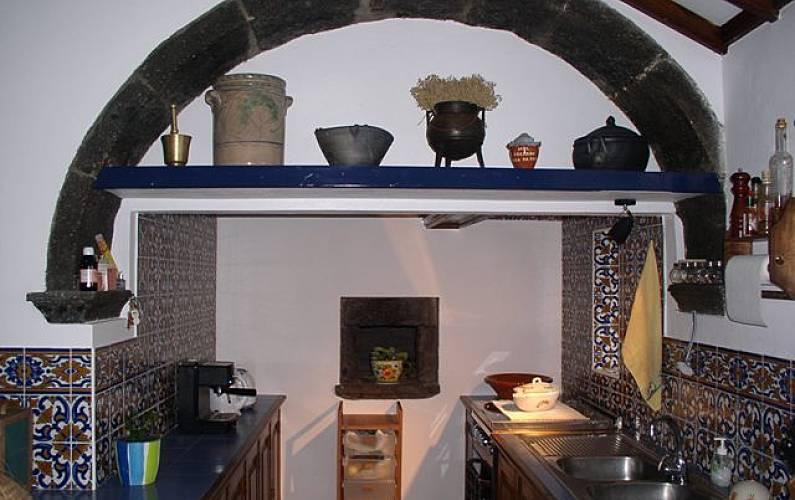 House Kitchen São Miguel Island Ponta Delgada Cottage - Kitchen
