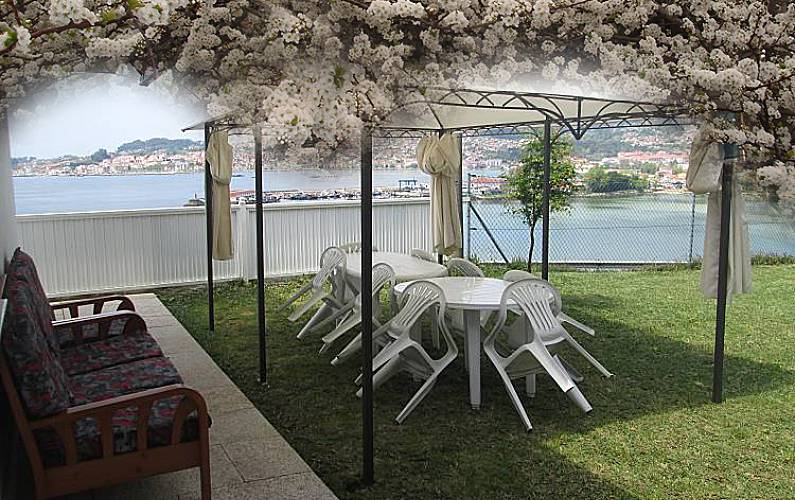 House for 1-10 people only 177 meters from the beach Pontevedra - Garden