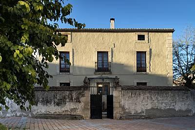 Villa de 4 habitaciones en Alameda del Valle Madrid