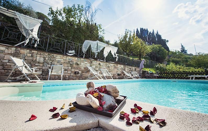 Zwembad In Huis : Huis met slaapkamer met zwembad perugia perugia canticum