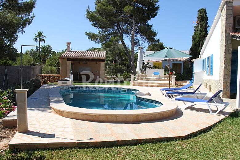Chalet en cala murada piscina privada barbacoa cala for Piscina privada