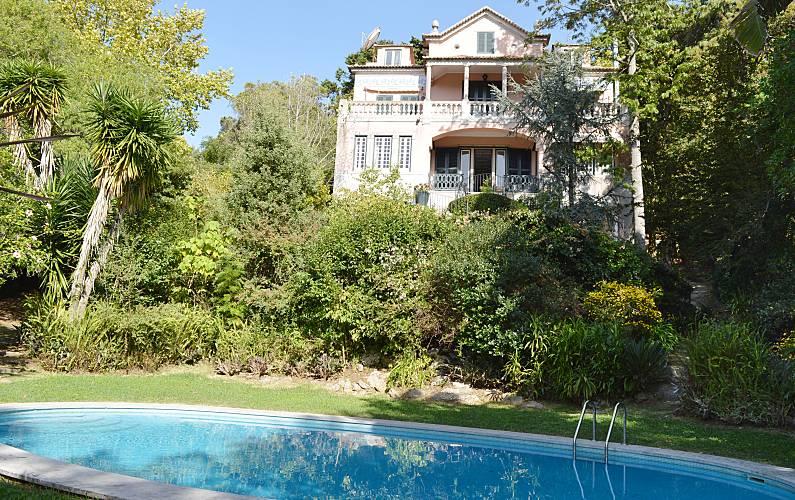 Villa para 19-25 personas a 13 km de la playa Lisboa