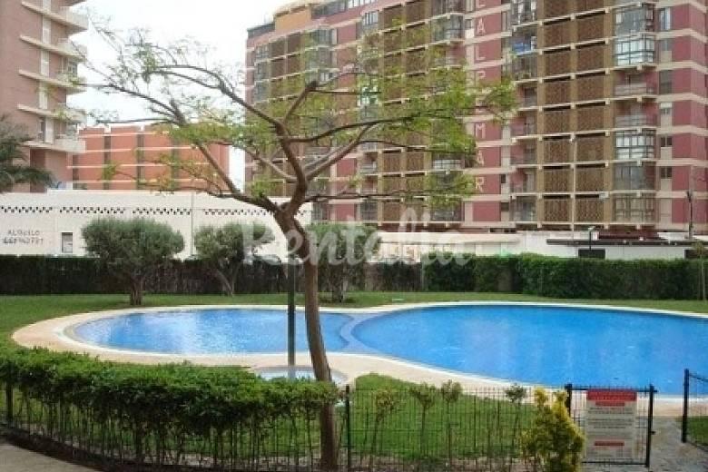 Apartamentos en calpe playa arenal piscina calpe calp for Piscinas calpe