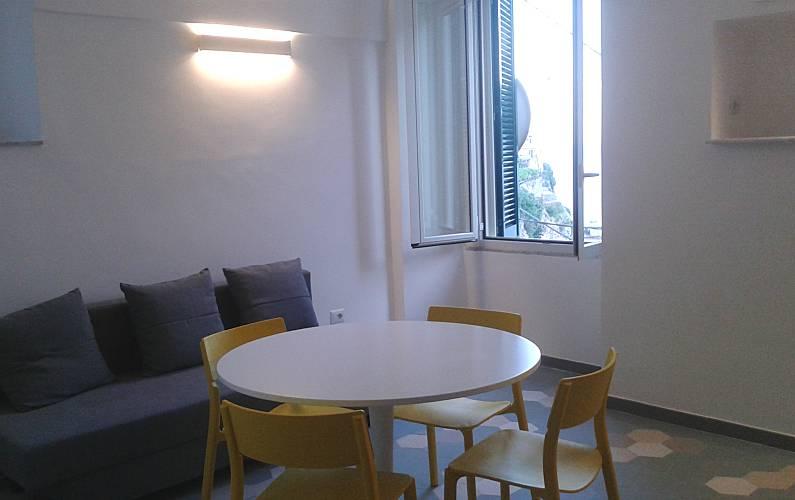 In Salotto Salerno.Appartamento Per 2 4 Persone A 200 M Dalla Spiaggia Minori