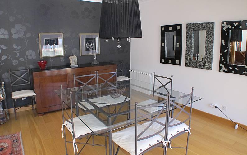 Cascais Dining-room Lisbon Cascais Apartment - Dining-room
