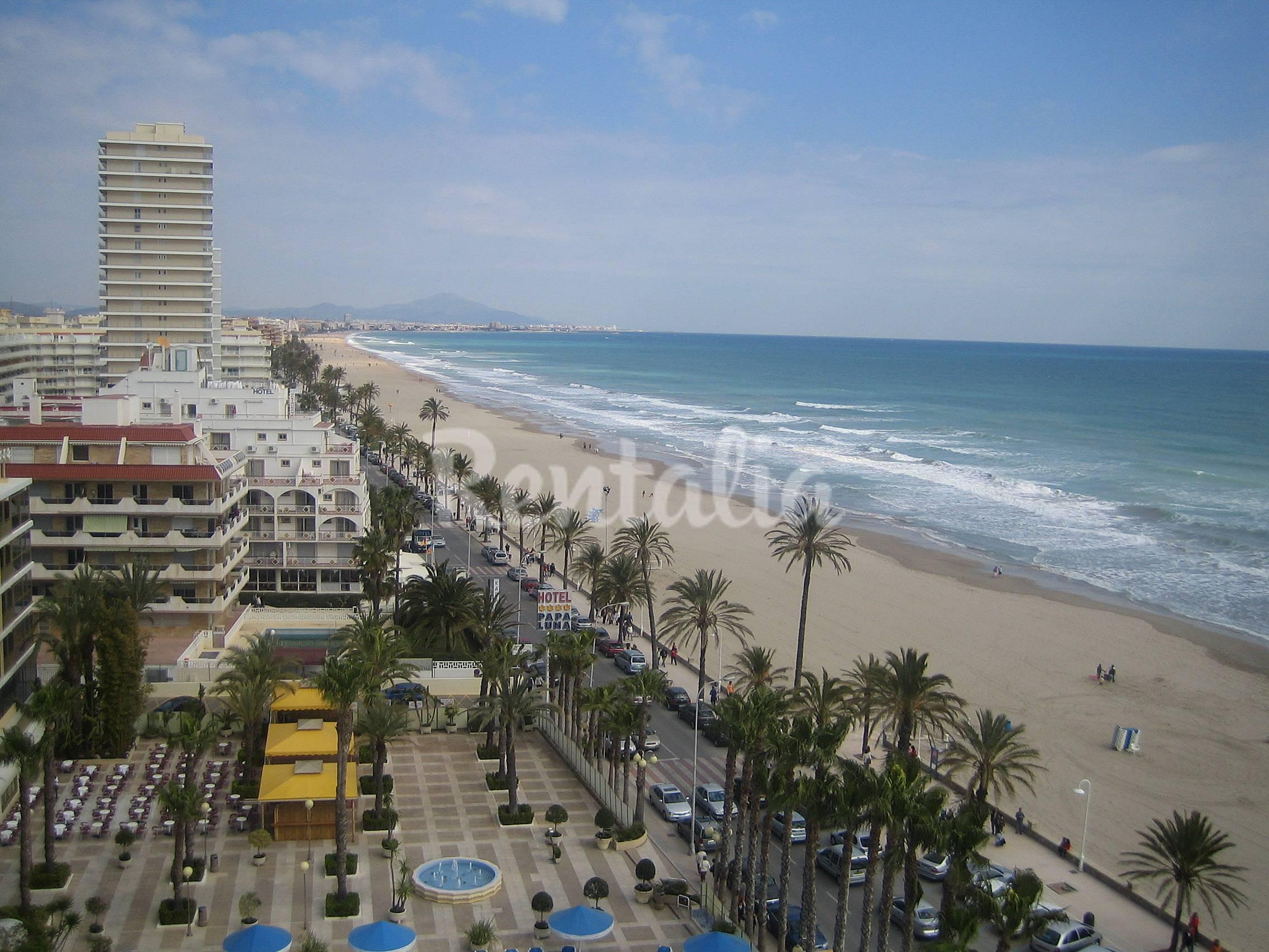 Apartamentos 50 m playa con piscina pe iscola pe scola castell n castell n costa del - Hoteles en castellon con piscina ...