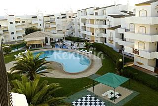 Amplo apart com 3 quartos e piscina. 3 Golfs perto Algarve-Faro
