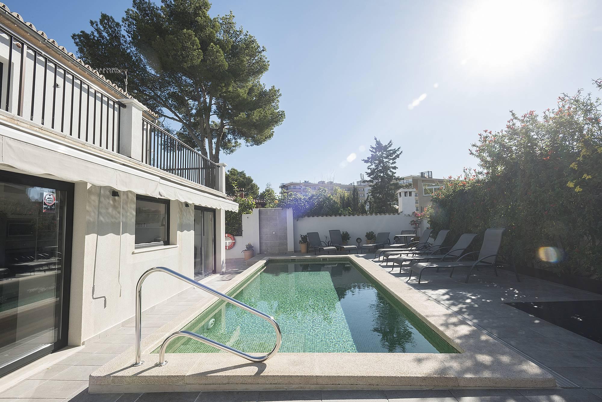 villa en location 100 m de la plage sant agusti palma de majorque majorque serra de. Black Bedroom Furniture Sets. Home Design Ideas