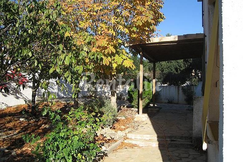 Casa chalet playa roda de bar tarragona costa dorada for Apartamentos jardin playa larga tarragona