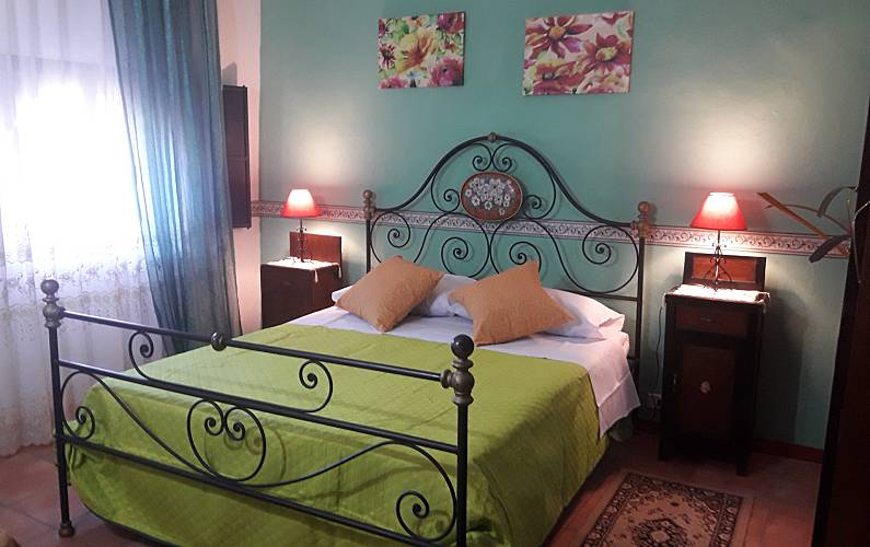 3 Bedroom Catania Calatabiano Countryside villa - Bedroom