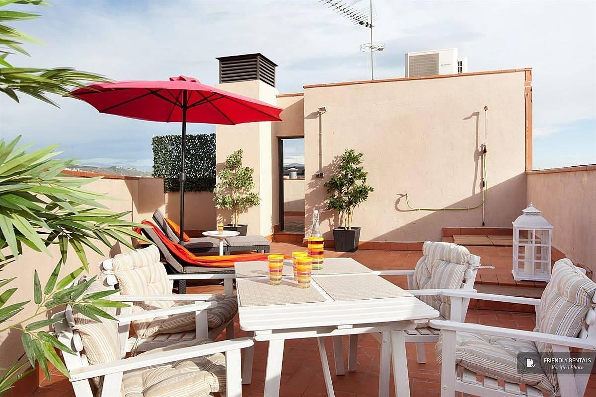 L 39 appartamento sunny attic a barcellona sant adria de for Alloggi a barcellona
