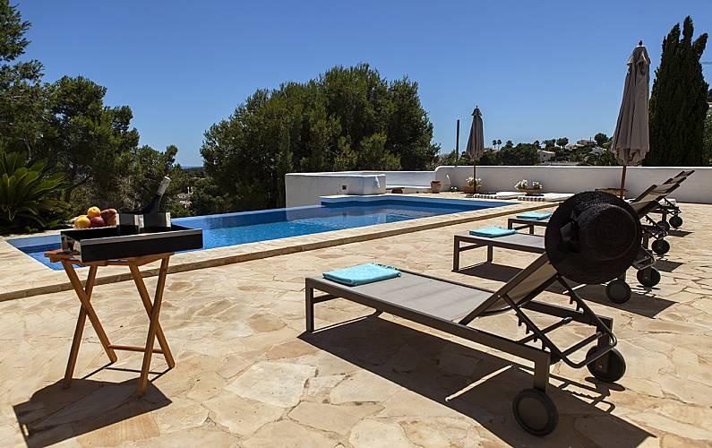 La Aldaba, lujosa villa ibicenca con vistas al mar Alicante -