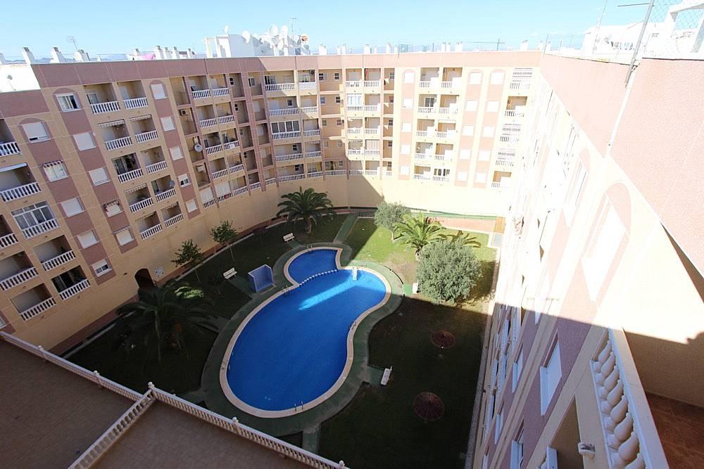 Apartamento en alquiler a 1000 m de la playa torrevieja alicante costa blanca - Alquilar apartamento en torrevieja ...