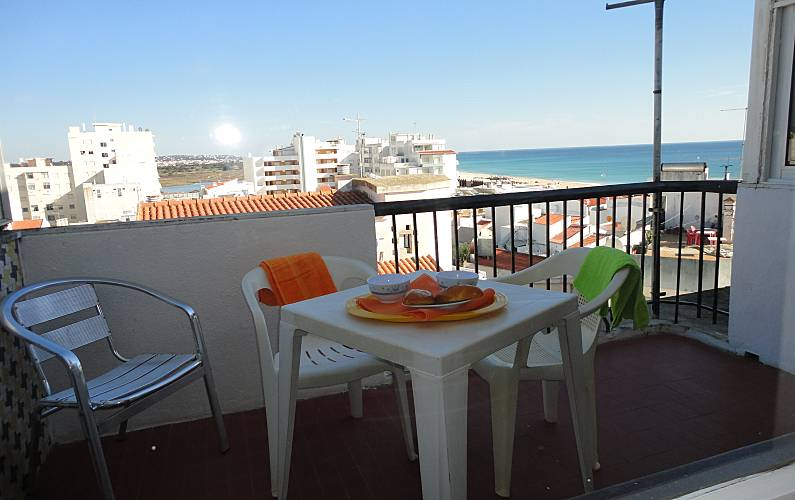 Apartment for 4-5 people only 50 meters from the beach Algarve-Faro - Terrace