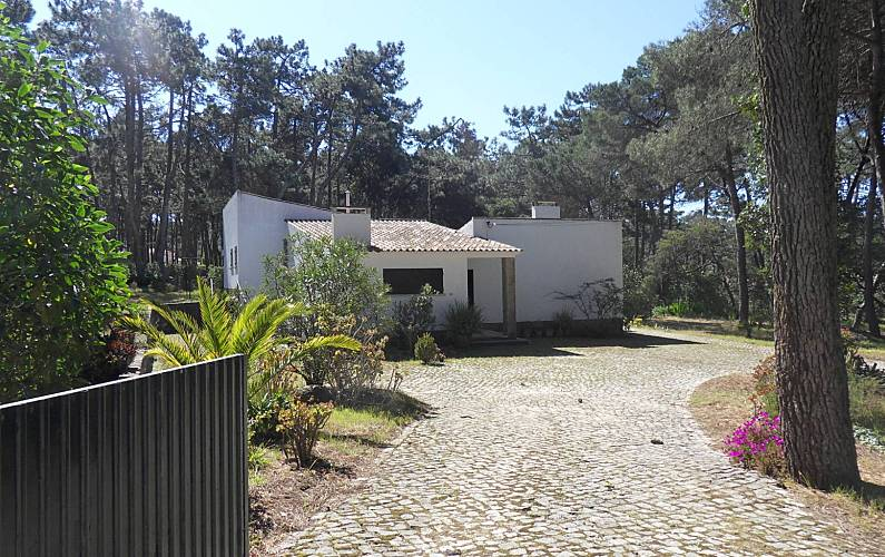 House with 3 bedrooms 2 km from the beach Lisbon - Outdoors