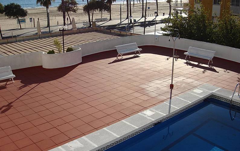 Appartamento in affitto con piscina cambrils badia for Piscina cambrils