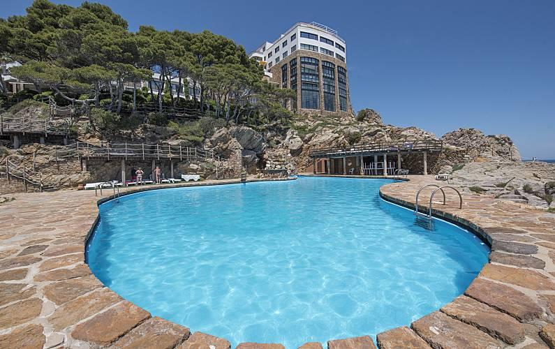 Apartamento para alugar em frente à praia Girona - Piscina