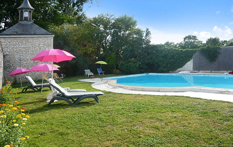 Enchanting mansion w/ private pool Maine-et-Loire -