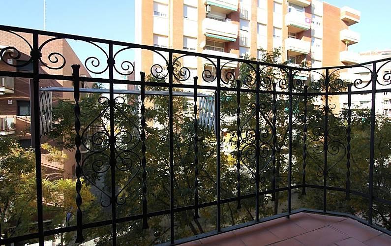 Appartement pour 5 personnes l 39 hospitalet de llobregat for Appart hotel 5 personnes barcelone