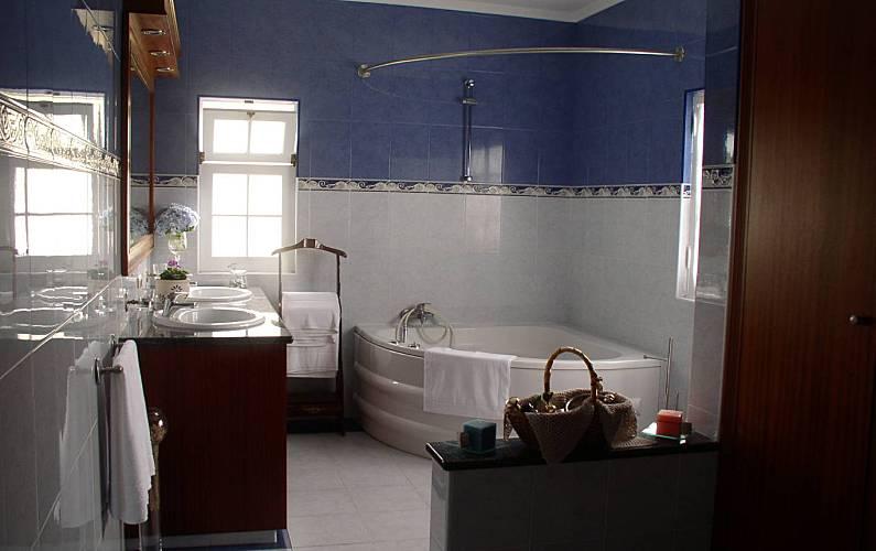 House Bathroom São Miguel Island Ponta Delgada Cottage - Bathroom