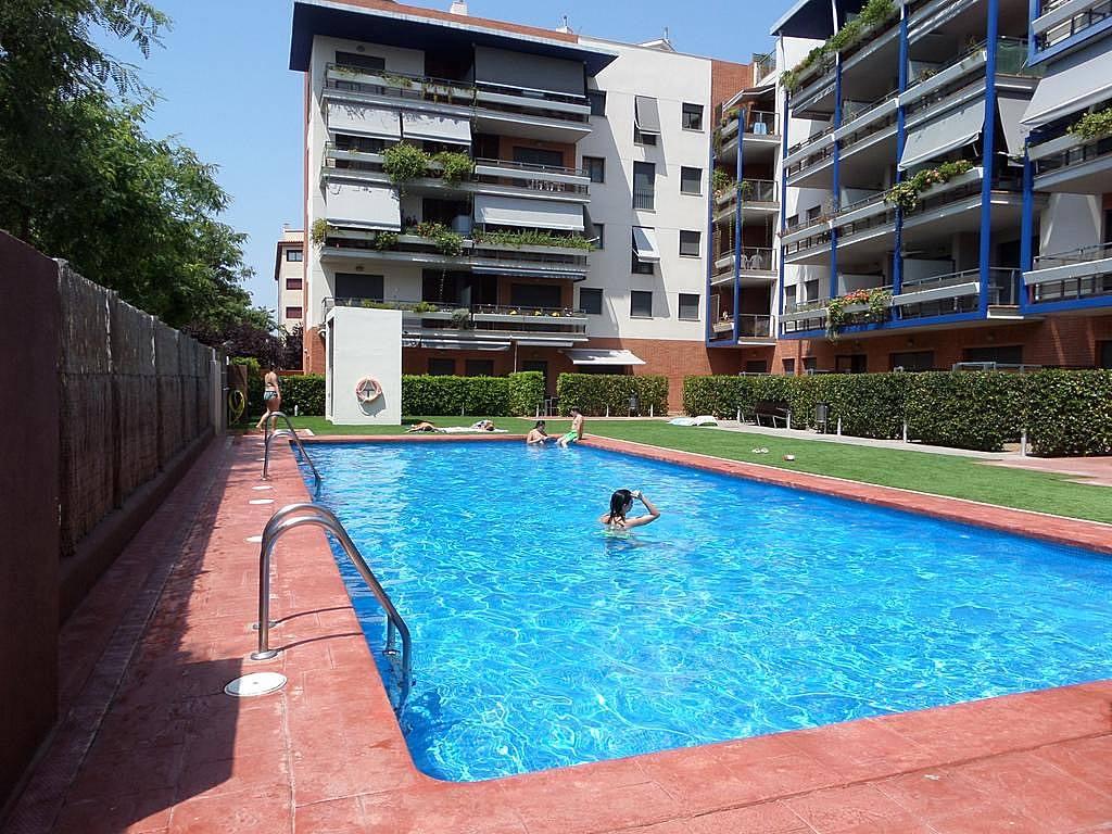 Apartamento 9 personas piscina gimnasio playa for Piscina cambrils