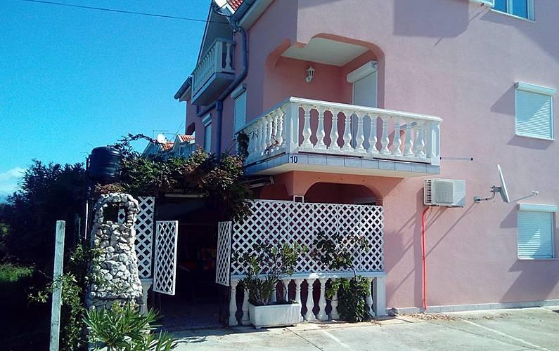 Bonito apt cerca de la playa & Wifi Zadar -