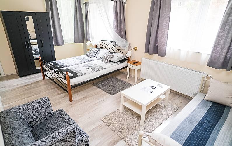 Bonito estudio con terraza & Wifi Zagreb -