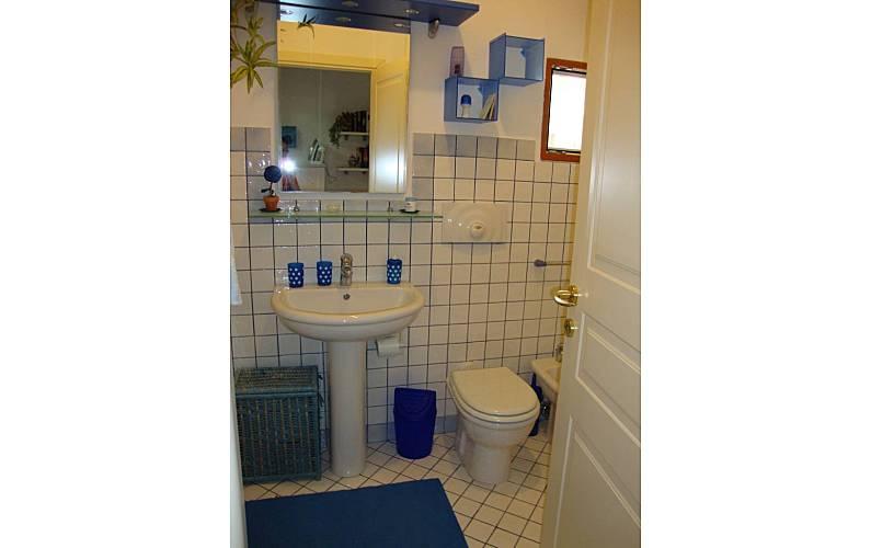 2 Casa-de-banho Cálhari Capoterra Vivendas - Casa-de-banho
