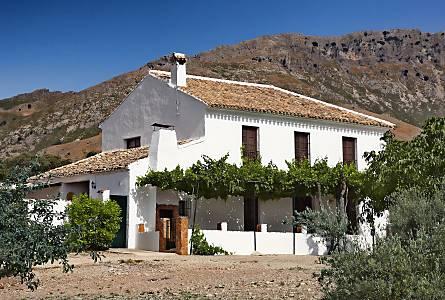 Alquiler Apartamentos Vacacionales En Cuevas De San Marcos Malaga