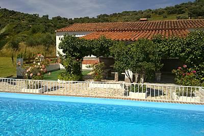 Espaciosa casa con piscina y jardín Huelva