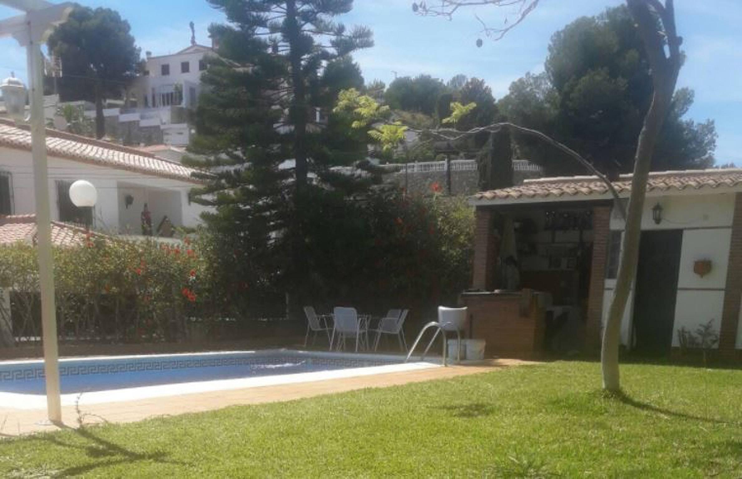 Bonito apt con acceso piscina velilla taramay almu car for Piscina publica alhendin granada