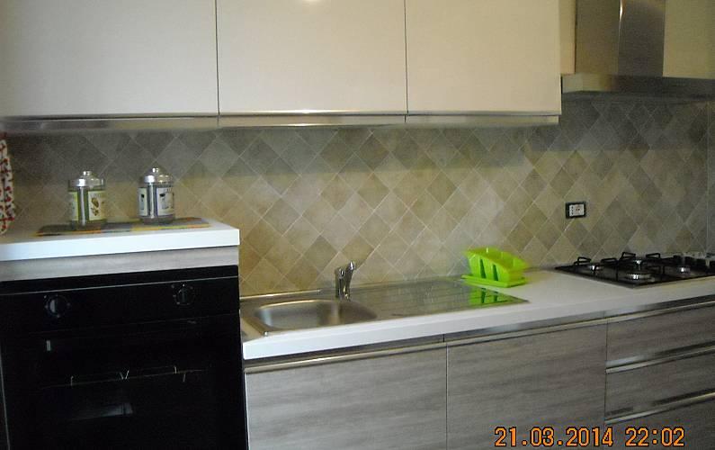 House Kitchen Ogliastra Cardedu Apartment - Kitchen