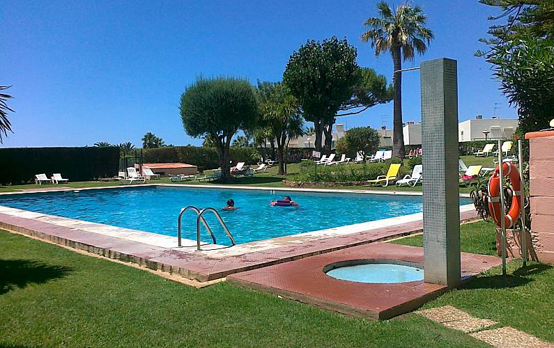 Apartment for 2-6 people only 1500 meters from the beach Algarve-Faro - Swimming pool