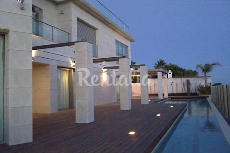 Villa para 10 personas a 50 m de la playa sancti petri for Piscina 50 metros cadiz