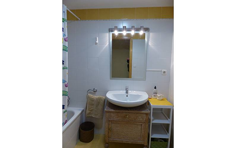 Apartment Bathroom Huesca Jaca Apartment - Bathroom
