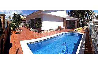 Villa with 3 bedrooms only 900 meters from the beach Tarragona