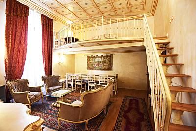 Apartamento de 3 habitaciones en Florencia Florencia