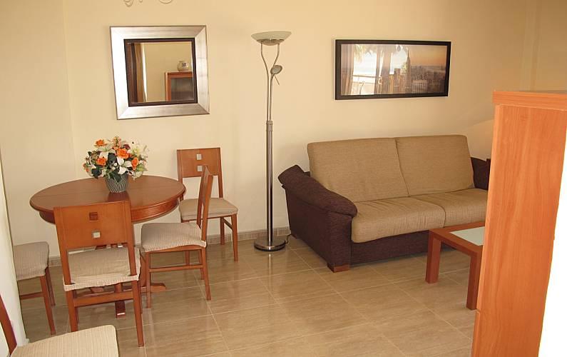 Apartamento para 4 6 pessoas em frente praia salou for Sala 0 tarragona