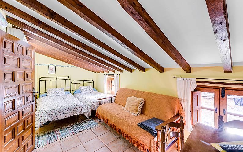Aptos. Habitación Cáceres Robledillo de Gata Casa en entorno rural - Habitación