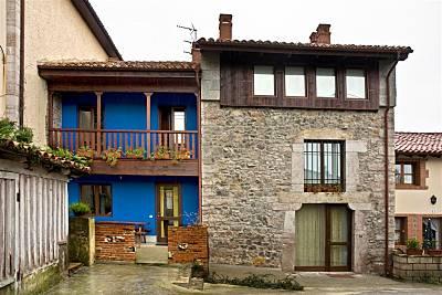 3 Casas a 700 m de la playa Cantabria
