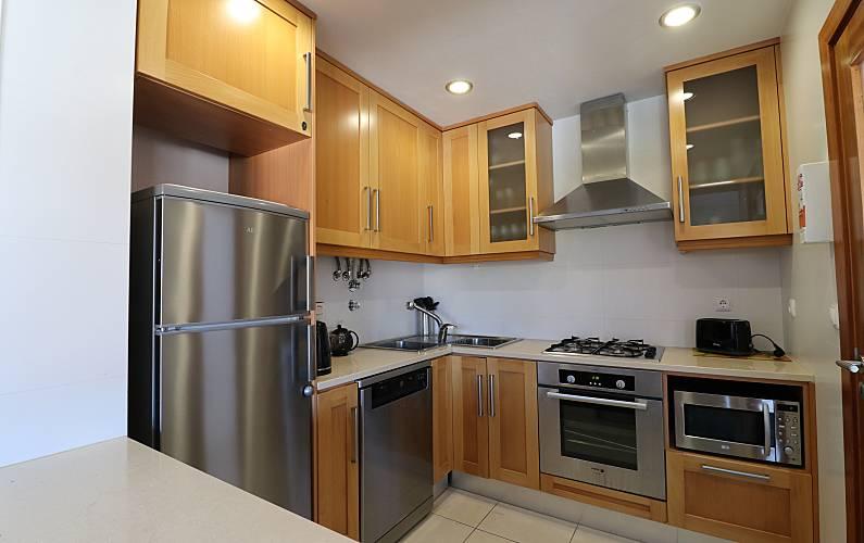 2 Kitchen Leiria Alcobaça Apartment - Kitchen
