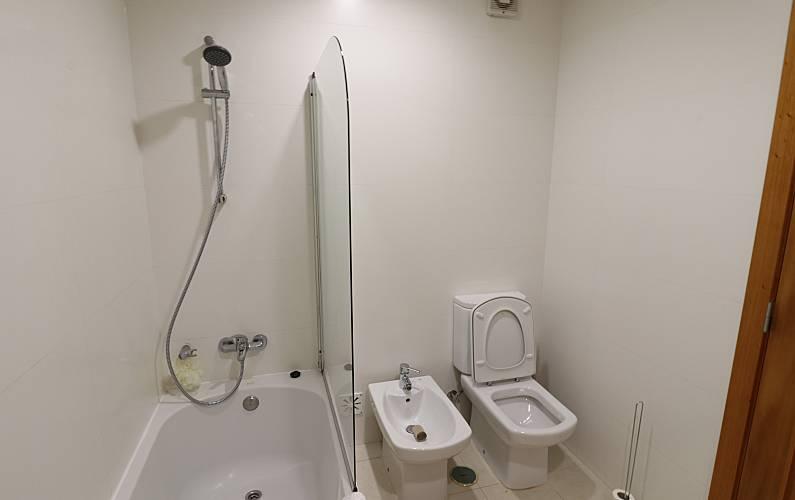 2 Bathroom Leiria Alcobaça Apartment - Bathroom