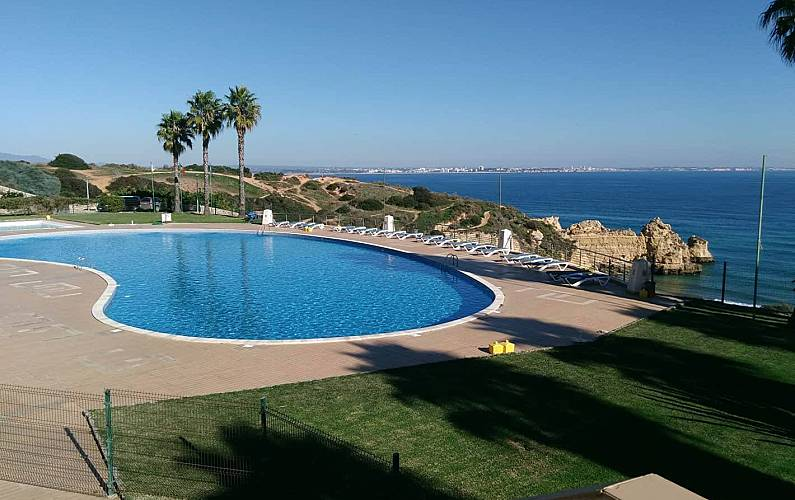 Apartment for rent only 100 meters from the beach Algarve-Faro - Swimming pool